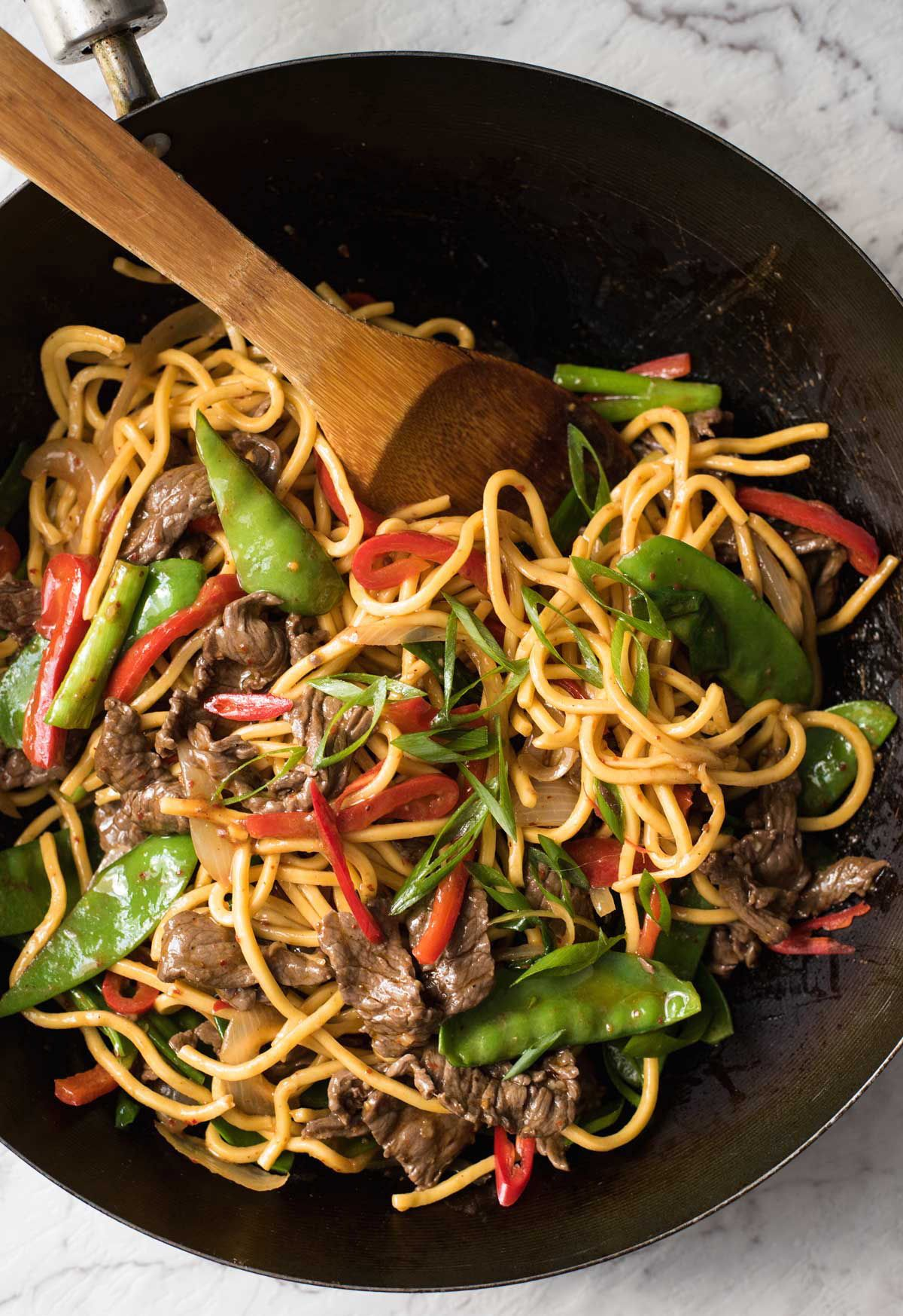 Spicy Beef Hokkien Noodles Recipe Spicy Beef Food Beef Dishes