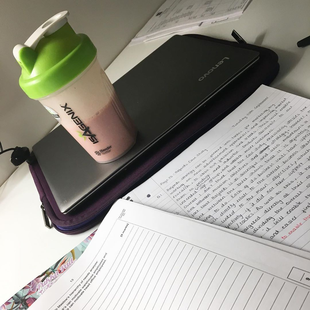 Study time fuel 💪🏻 • • • • • • • • • • • • • • • #entrepreneur #fitnessgirl #fitnessmotivation #howt...
