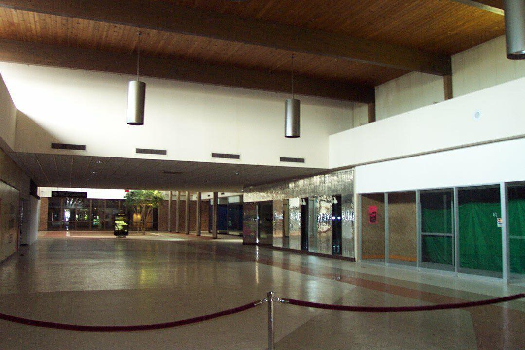 Fort Wayne Mall >> Southtown Mall Fort Wayne In Dead Malls In 2019 Dead