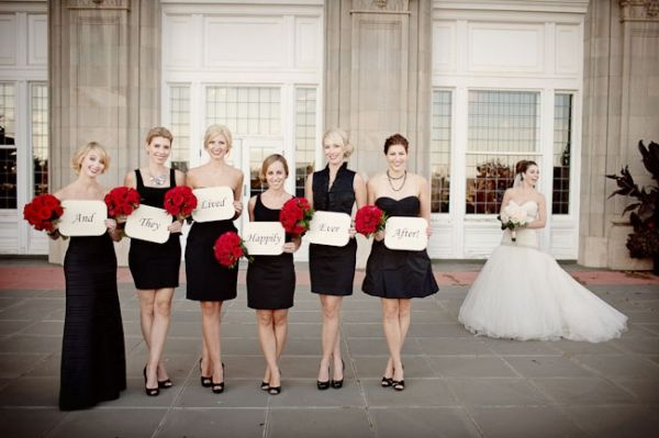 red white black bouquet | Modern Classic Parisian Wedding at Hotel ...
