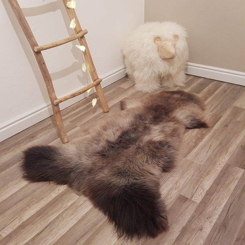 Grey Genuine Sheepskin Rug 100 Sheep Skin Leather Sheep Skin In 2020 Sheepskin Rug Rugs On Carpet Rug Decor