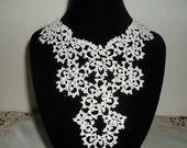 Collier pour mariage dentelle blanche, bijoux de mariee en dentelle blanch collier dentelle frivolitee, : Collier par carmentatting