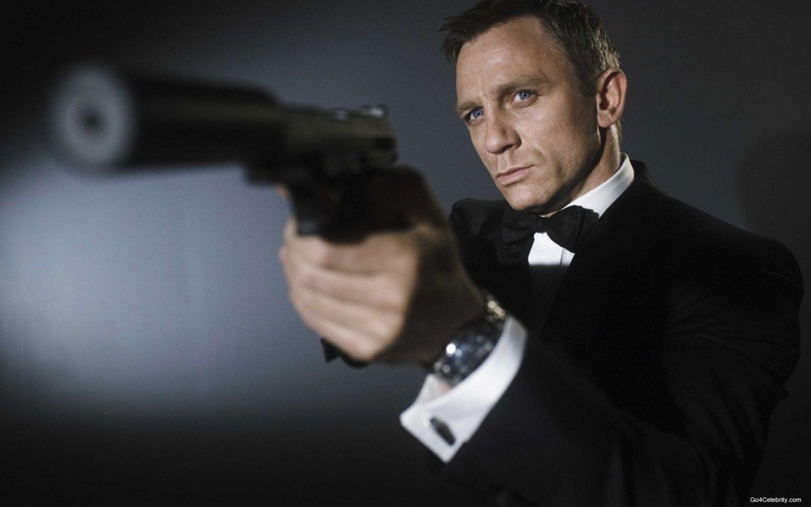 Daniel Craig – James Bond