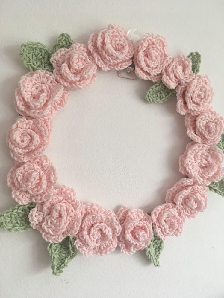 Photo of Crochet Wreath (free patterns)