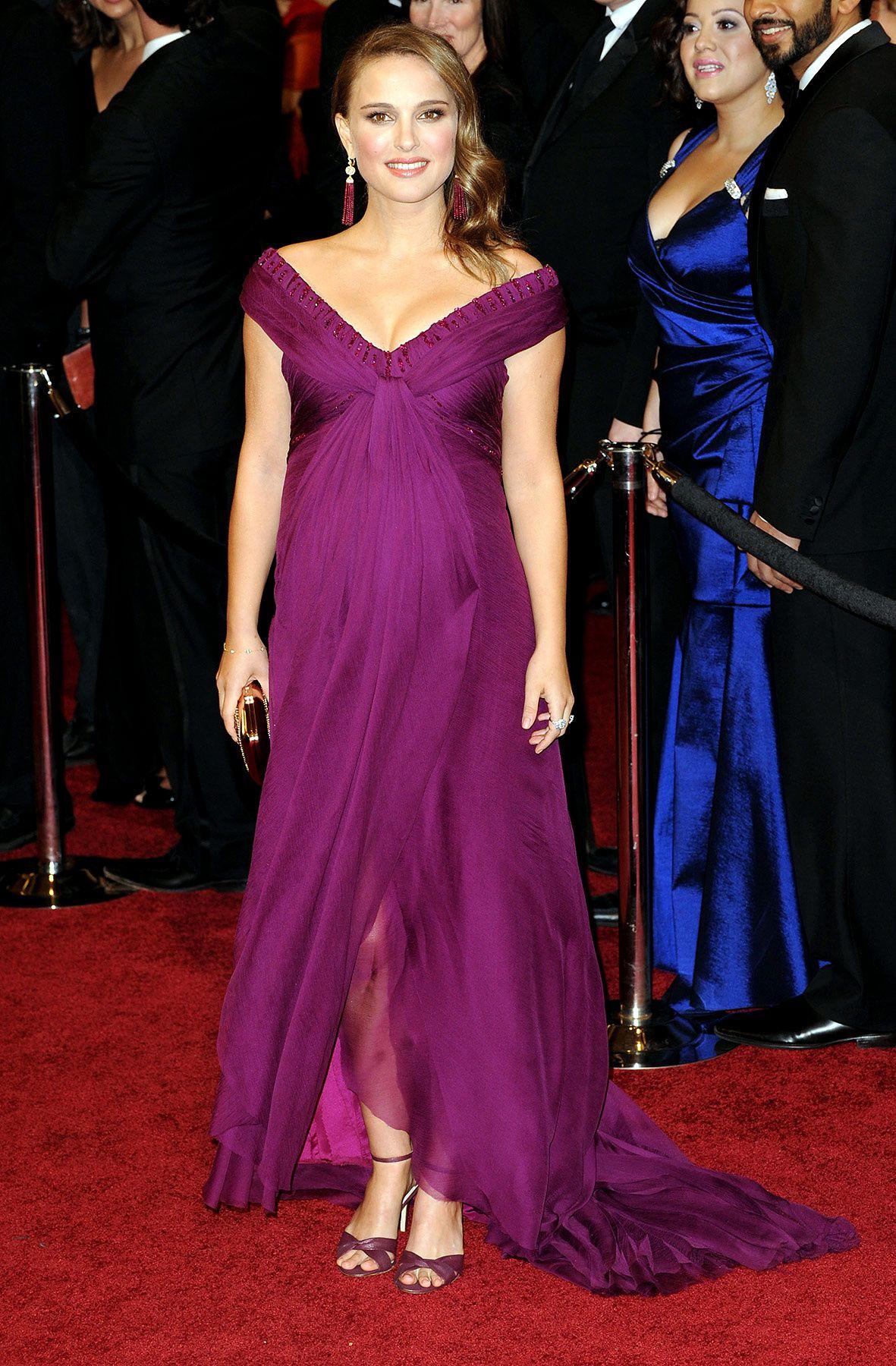 MommyFile: Natalie Portman | Pinterest | Embarazo, Vestidos ...