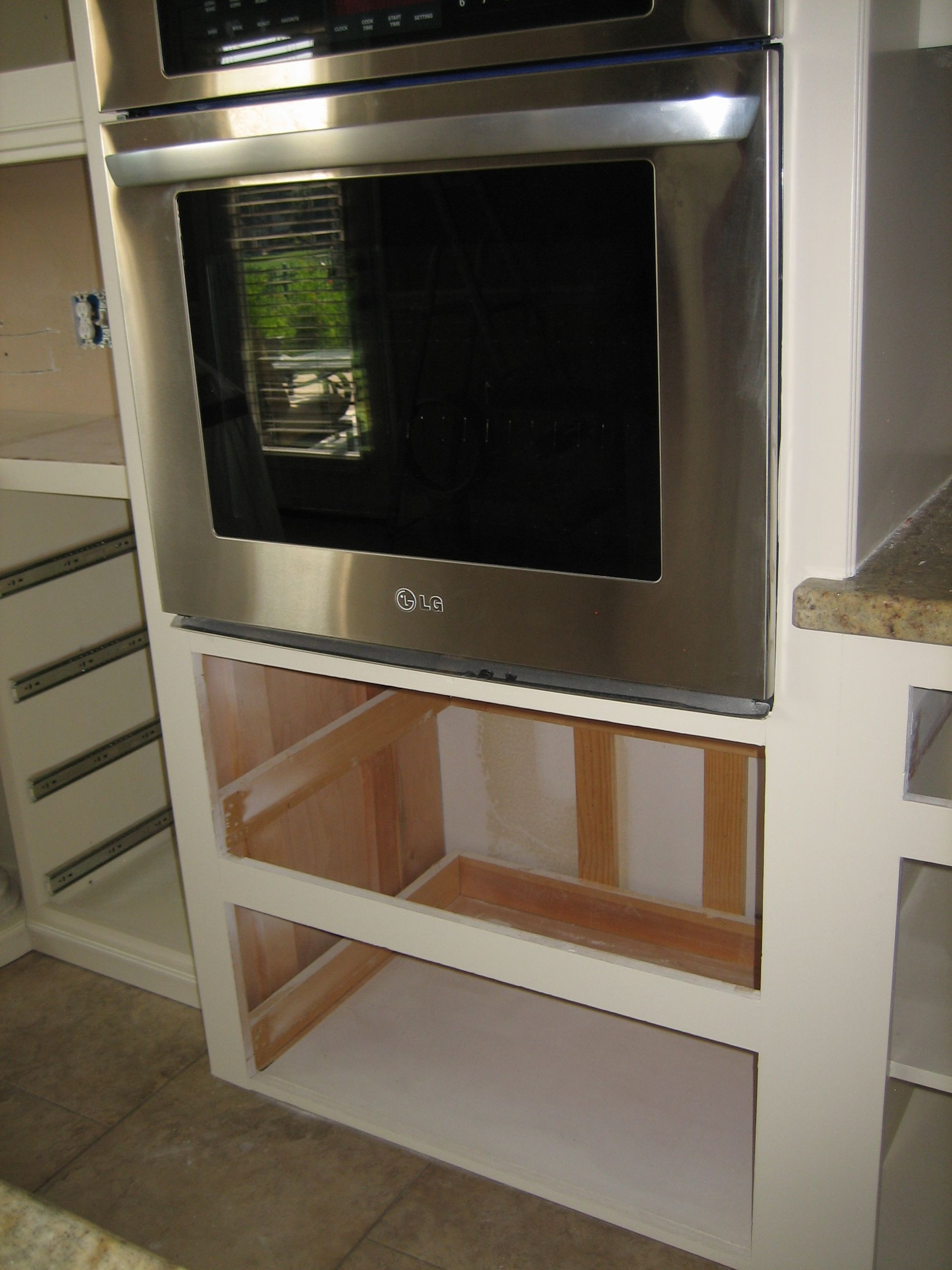 I Had Not Originally Elected To Change Out The Wall Oven Since I Was So Happy With The Lg Convection Oven That Was Already In Wall Oven Kitchen Styling Kitchen