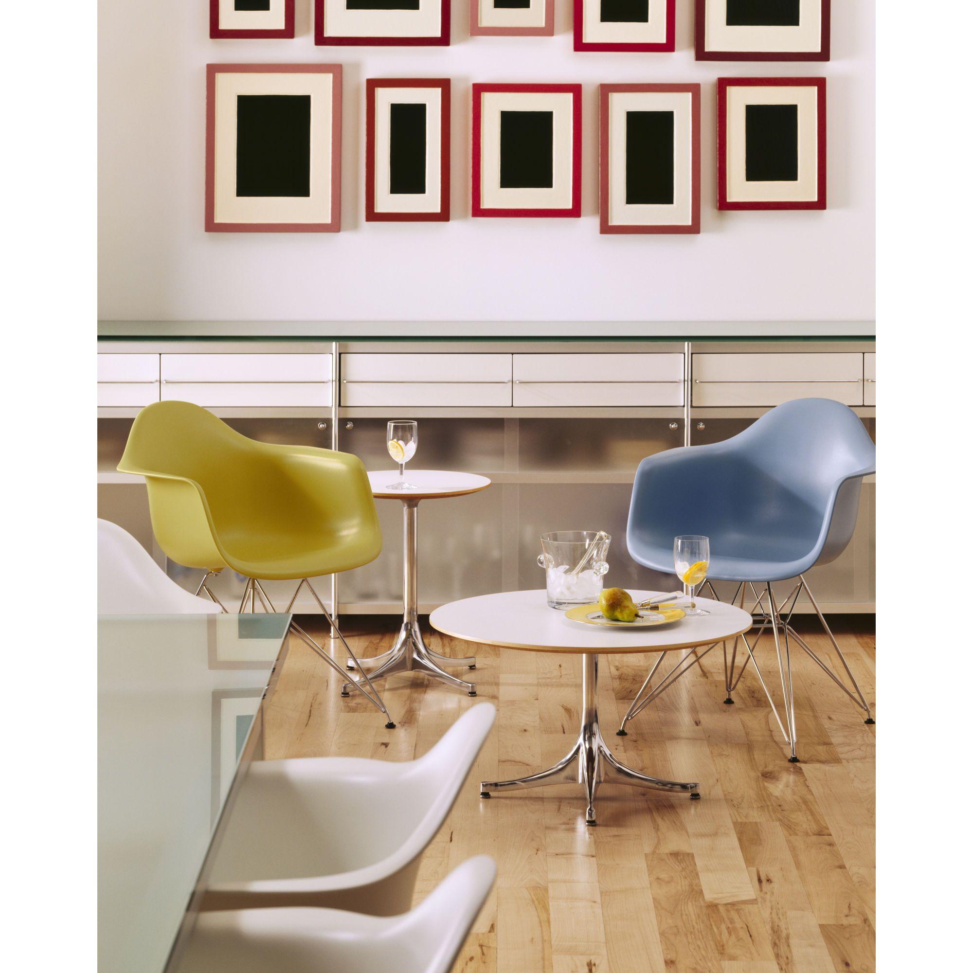 Eames dar armchair for herman miller molded plastic