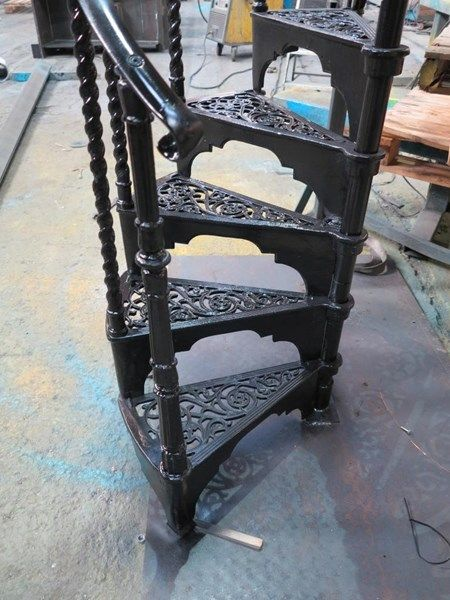 Best Reclaimed Barley Twist Spindles Spiral Staircase 400 x 300