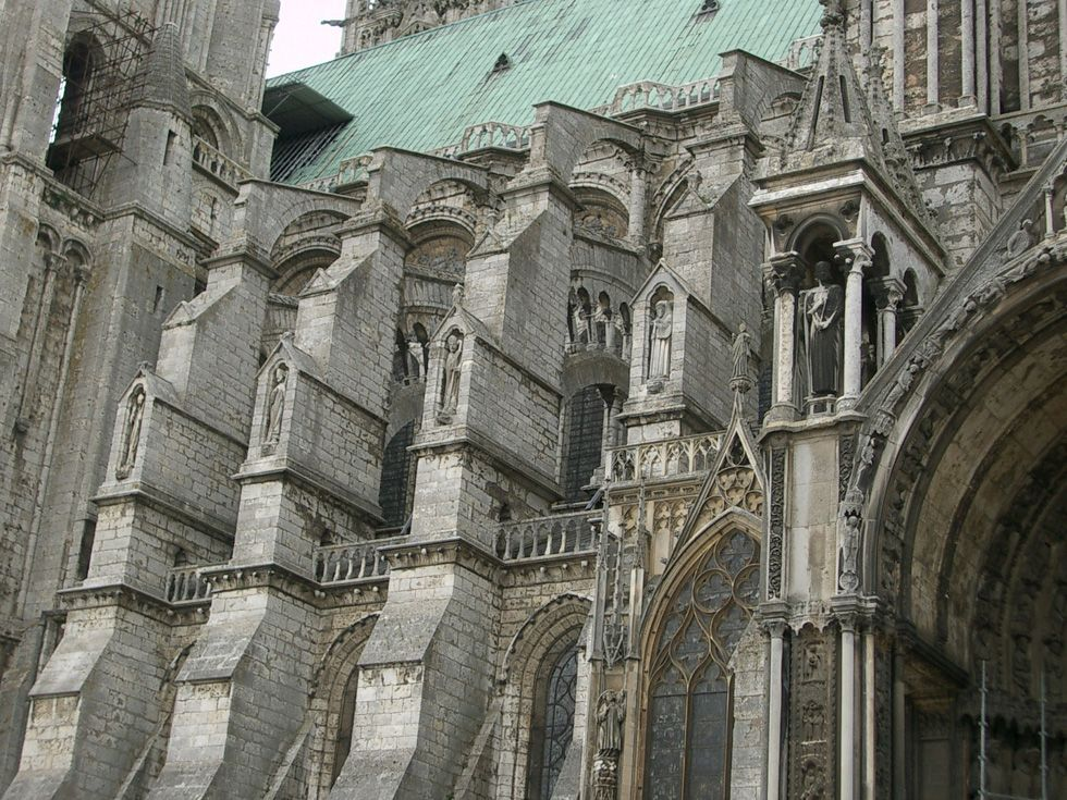 Chartres Cathedral flying buttresses Chartres Cathedral flying