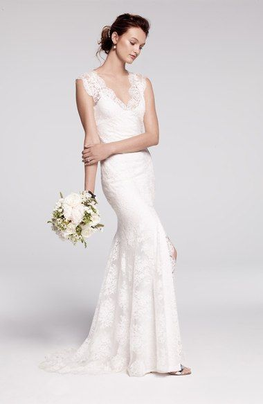 Bliss Monique Lhuillier Chantilly Lace Open Back Wedding Dress In Stores Only Nordstro Long Train Wedding Dress Wedding Dresses Lace Timeless Wedding Dress