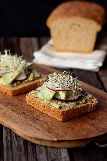 Gluten-free Sandwich Bread from America's Test Kitchen and my favorite veggie sandwich // Tasty Yummies