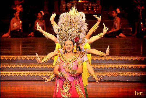 Traditional Thai dances can be divided into three main ...