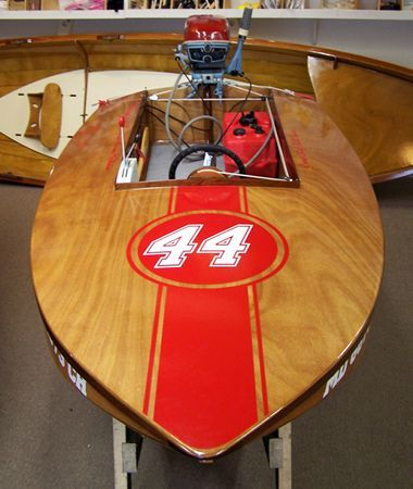 Cocktail Class Racer wooden outboard motor boat