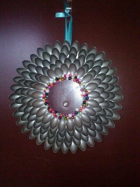Plastic spoon wreath so fun and easy wreaths for Plastic spoon flower mirror