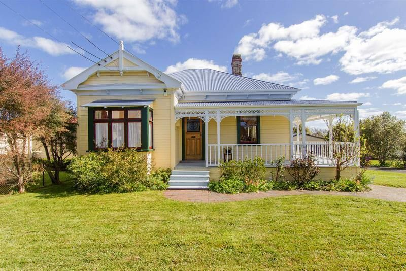 1900's villa Auckland, New Zealand Weatherboard house