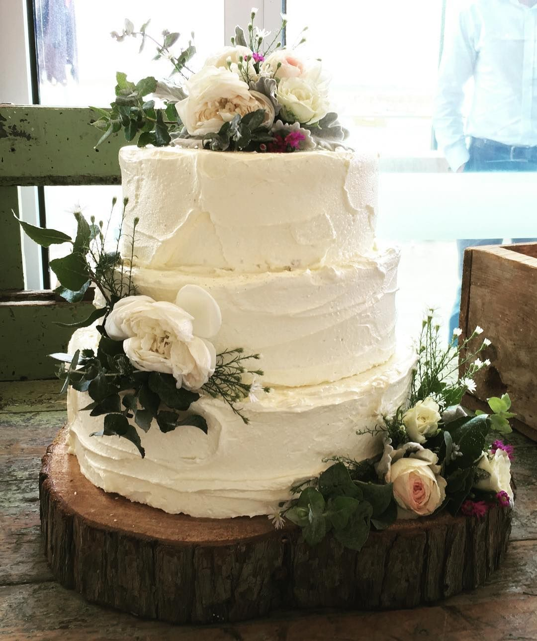 When you see amazing wedding cakes and wonder just how tasty they are. I could never be responsible for dropping one of these bad boys off and not having a little taste test. @pavilioncafebar #warrnamboolwedding #weddingcake #delicious #weddinghire #eventhire #daylesford #ballarat #warrnambool #horsham #andanywhereinbetween #westerndistrictwedding by thelittleblacksheephireco