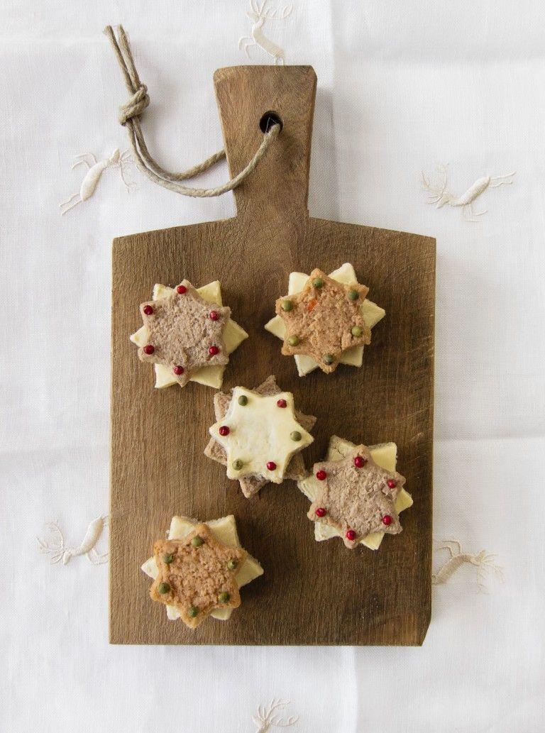 Canapés sind kleine Brote, die mit viel Liebe zum Detail zubereitet werden. Die kleinen Thunfisch-Häppchen eignen sich perfekt zum Sektempfang und Begrüßung von Gästen. Das Rezept findest Du auf unserem Blog und die Zutaten kannst Du ganz bequem online bestellen: https://gegessenwirdimmer.de/