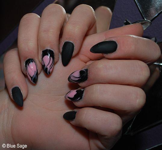 Zwart met roze