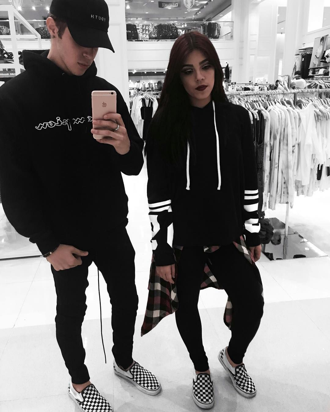 23249b25e4efb Streetwear Couple ♤ Visit my Instagram for more on my minimal outfits   edriancortes