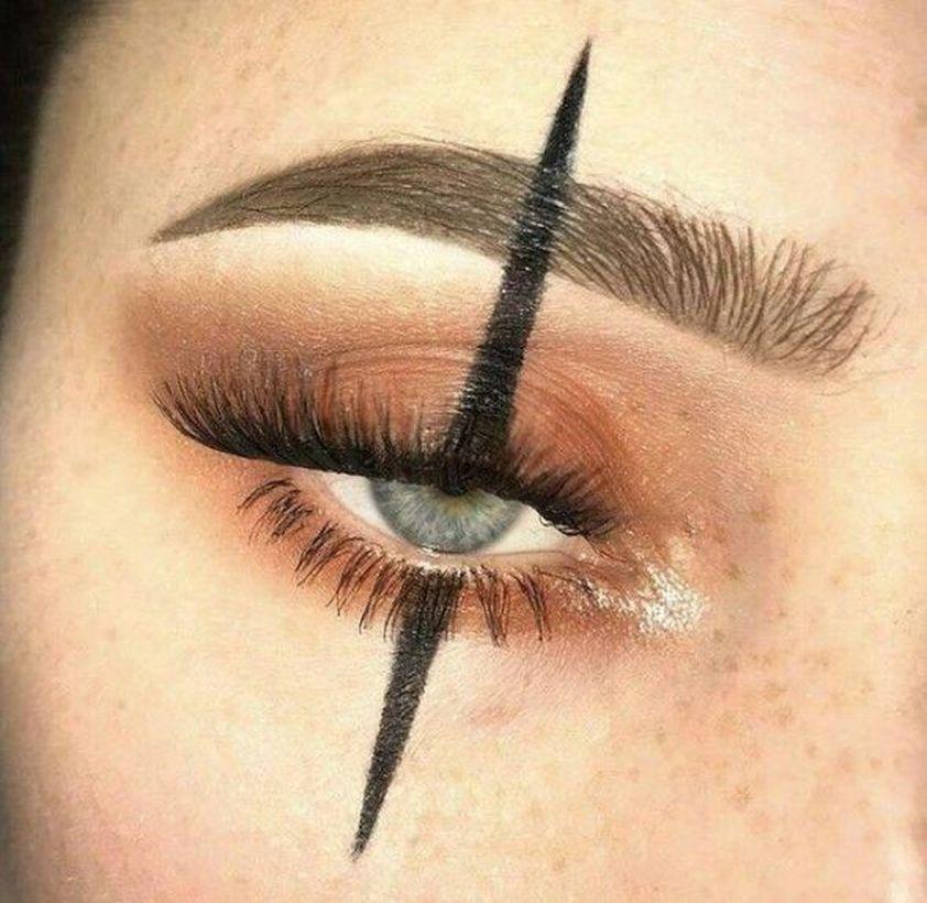 Photo of 58 Best Halloween Eye Makeup Ideas 2019