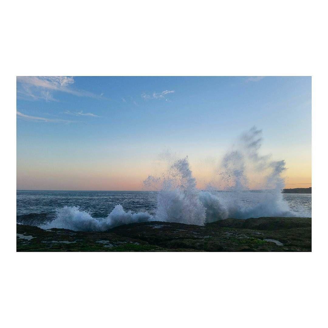 #sydney #australia #views #waves #bondi #bondisunset #northbondirocks #splashback #dontgetwet #travelphotography by belindatikare http://ift.tt/1KBxVYg