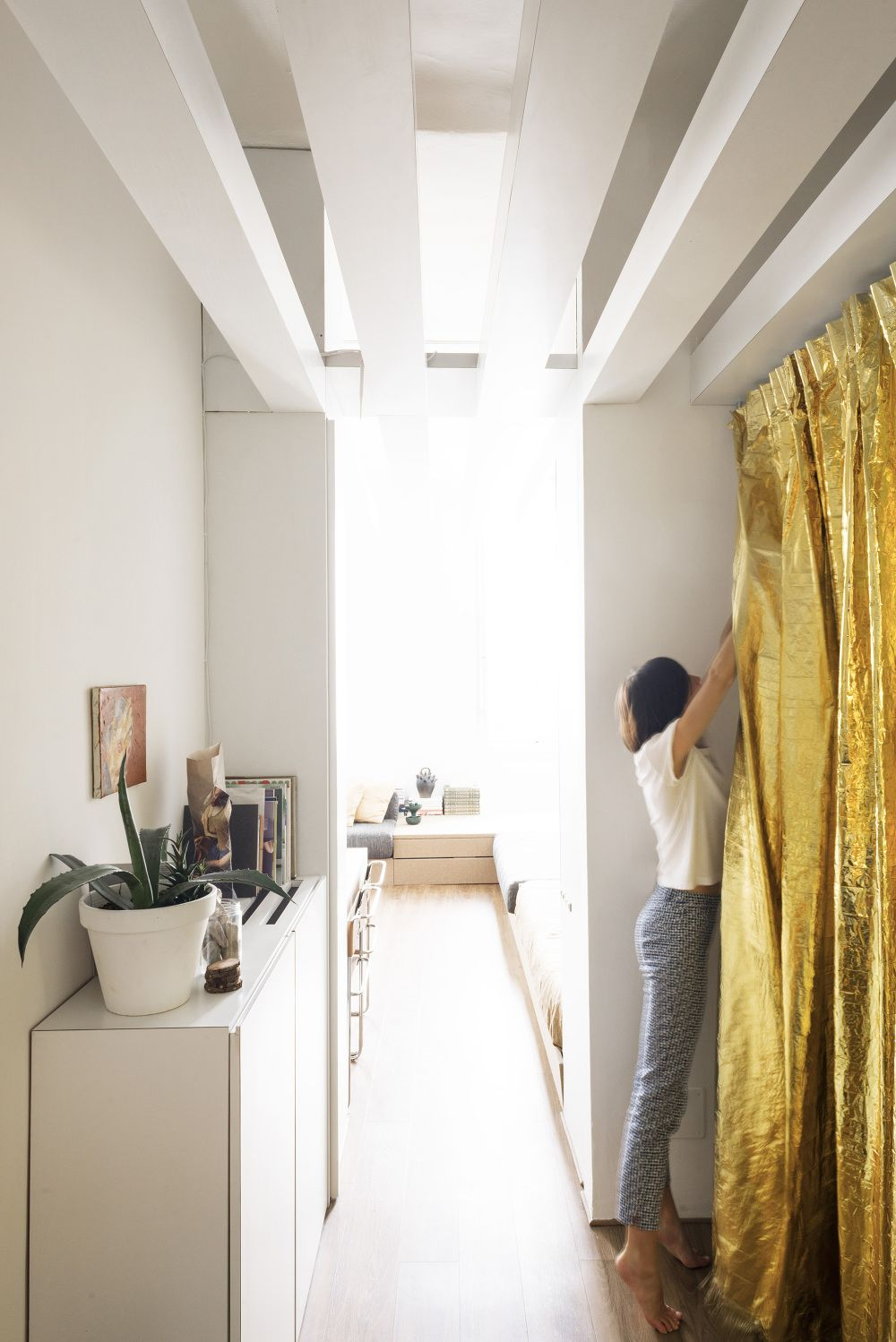 Inside An Architect S Own Renovated Modular Studio Apartment Curbedclockmenumore Arrownoyes Located A 1970s Florence Building