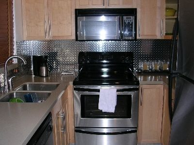 (//.cutsmetal.net/diamond-plate-kitchen-backsplash/) & Diamond Plate Backsplash! so doing this in my kitchen! | House ideas ...