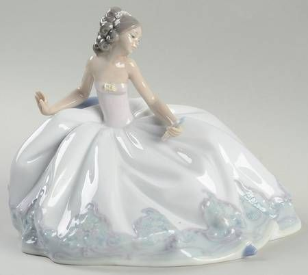 P0000014644S1850T2.jpg (450×402) Lladro FigurinesAt The Ball - With Box Bx654byLladro(View other Pieces in this Pattern)  $429.95Each
