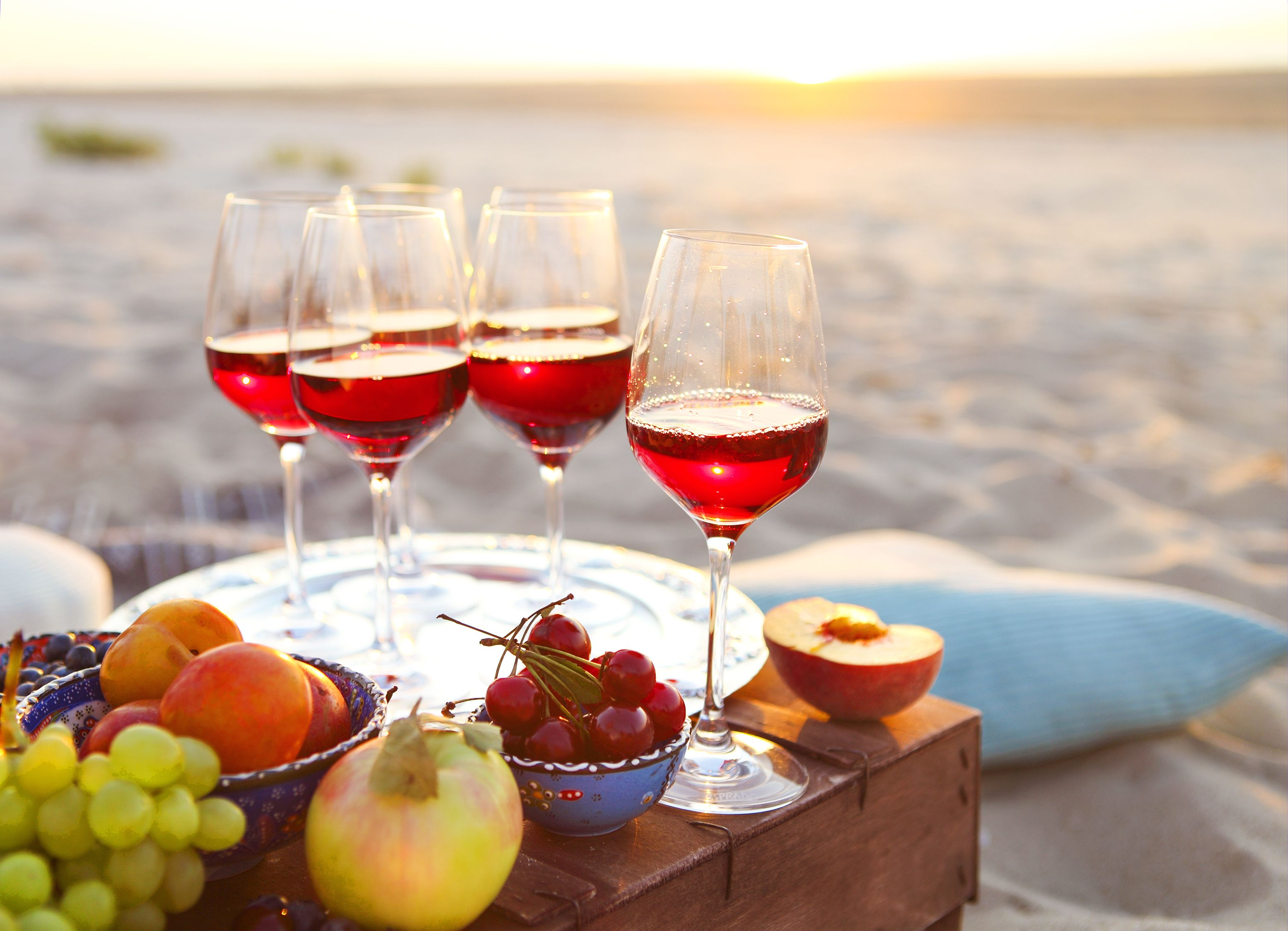 Syrah Rose This Rose Is Intended As A Dry Rose And Created From High Sugar Grapes So Has To Be Diluted Wine Making Recipes Fruit Wine Wine Desserts