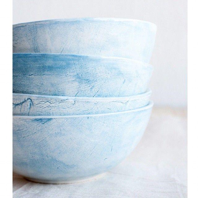 Облачные. С фактурой холста. В наличии нет.  #керамика #фаянс #посудаизкерамики #посударучнойработы #керамикаручнойработы #пиалы #handinhand #handinhand_пиалы #простыевещи #ceramics