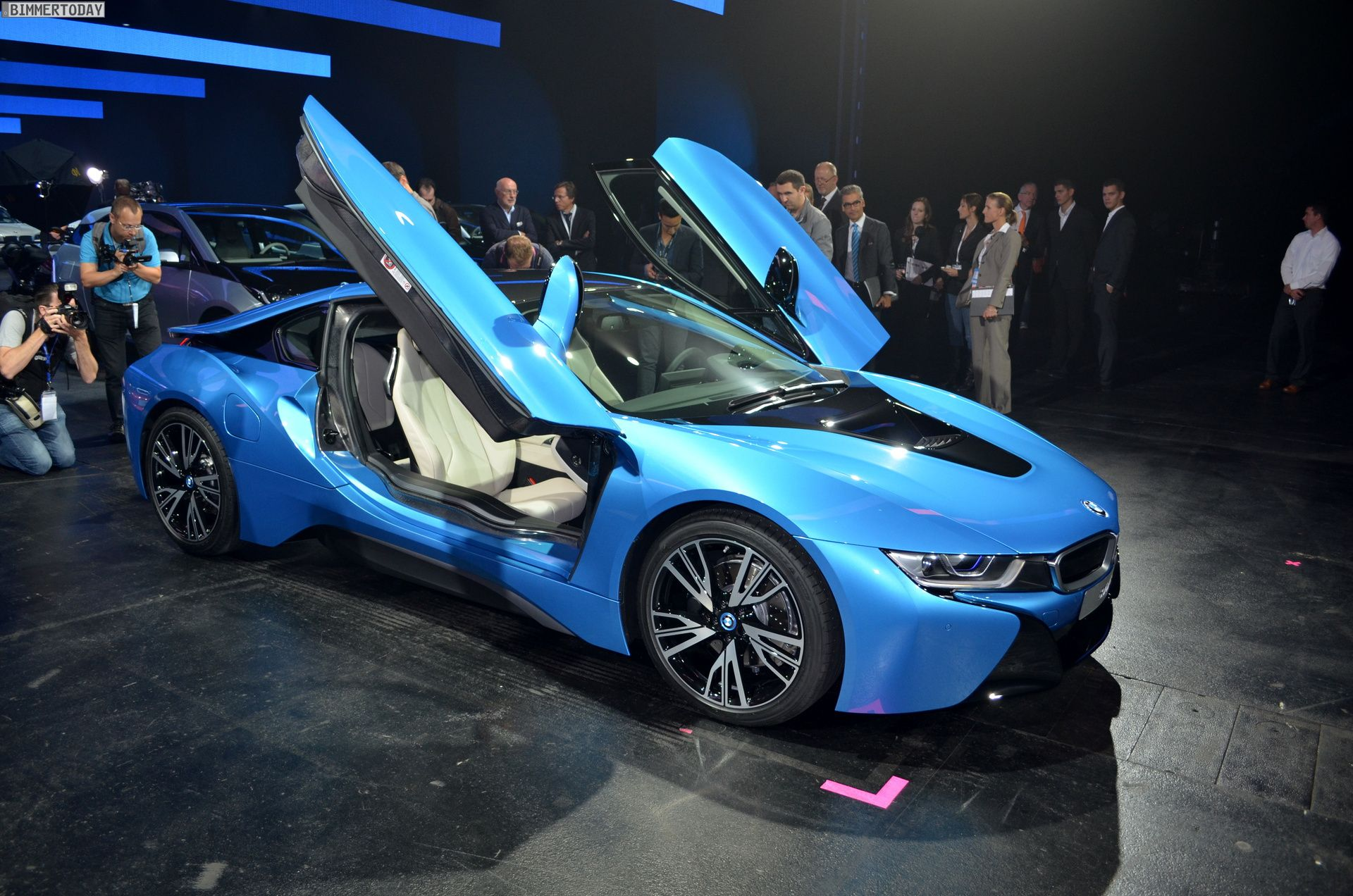 Bmw I8 Blue Already Shown You The I8 In Silver And Black But Bmw