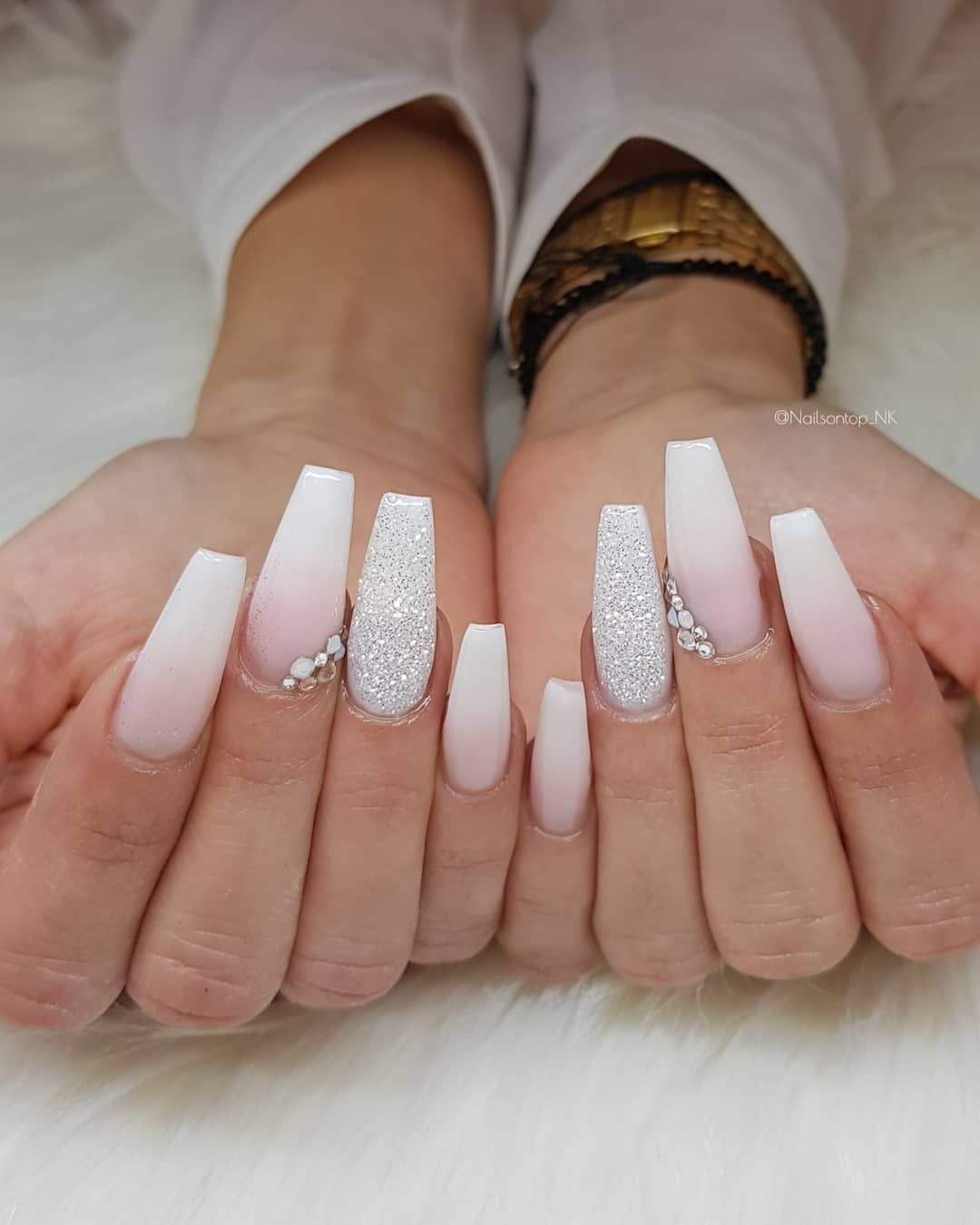 Nailsontop Nk On Instagram French Fade Babyboomer Diamond And Swarovskis Jet Set Beauty Nails Nagel Mit Diamanten Fade Nagel Nagel Inspiration