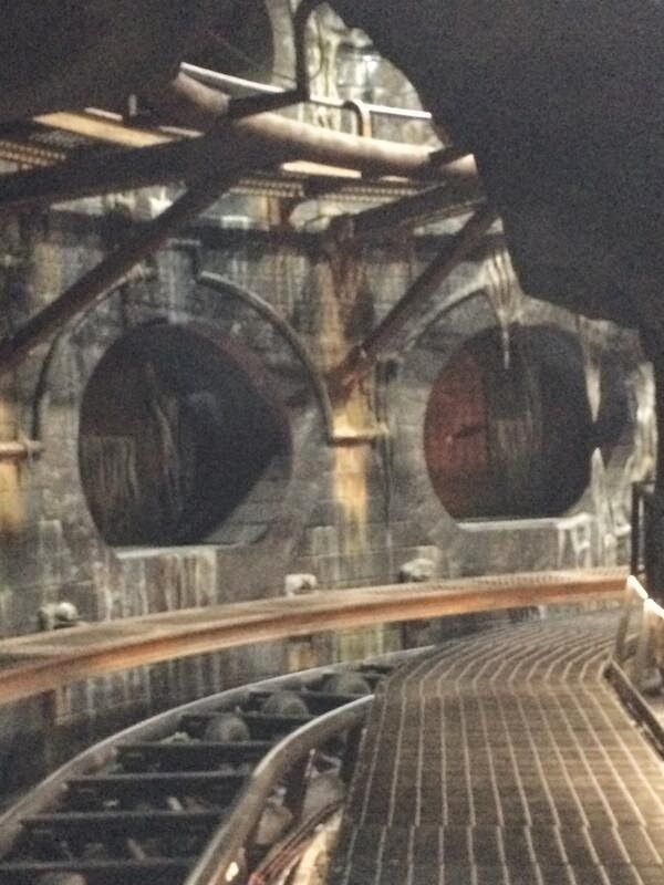Harry Potter And The Escape From Gringotts Lights On Picture Via Http Amusementauthorit Universal Studios Orlando Universal Studios Florida Universal Studios