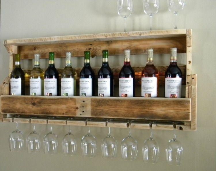 Aus Paletten können Sie ein hübsches Weinregal bauen Möbel diy - mbel aus bauholz selber bauen