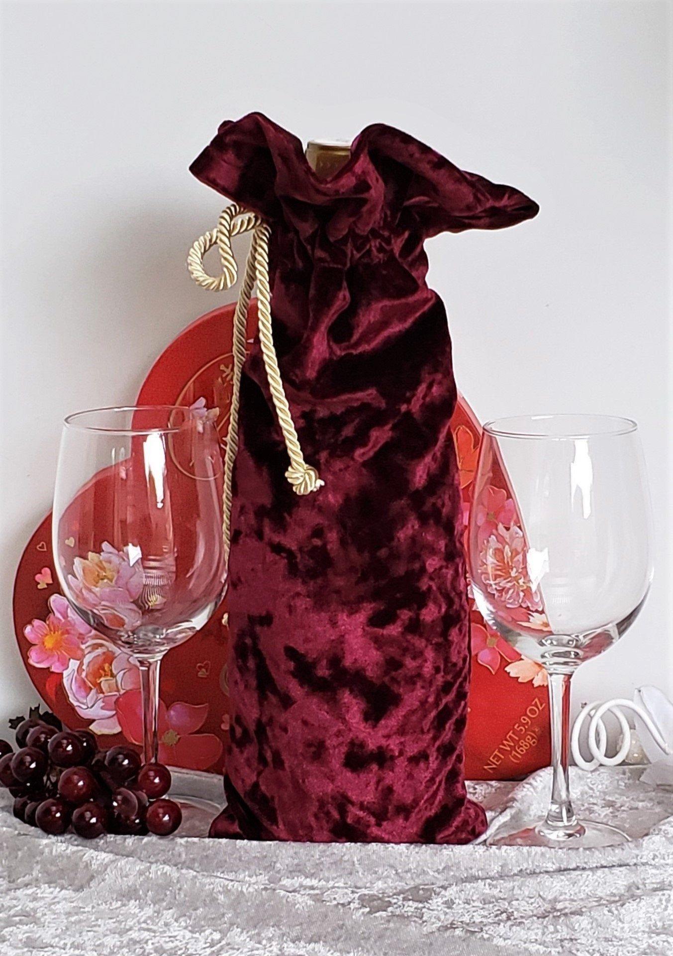 Luxe Burgundy Wine Bottle Bag Cushy Wine Bottle Bag Soft Velvet Fabric Wine Bag Great Keepsake Hostes In 2020 Fabric Wine Bags Bottle Bag Fabric Wine Bottle Bag