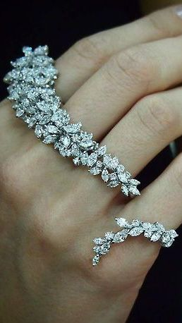 Knuckle Ring Bling