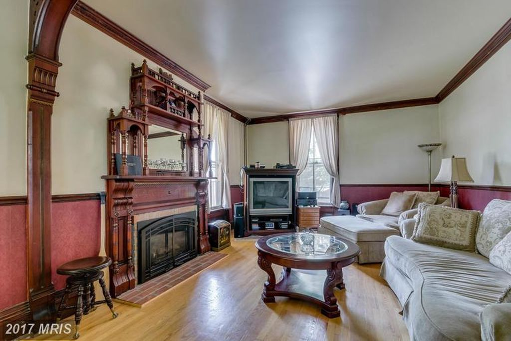 816 W King St, Martinsburg, WV 25401 | Old Buildings | Old house ...