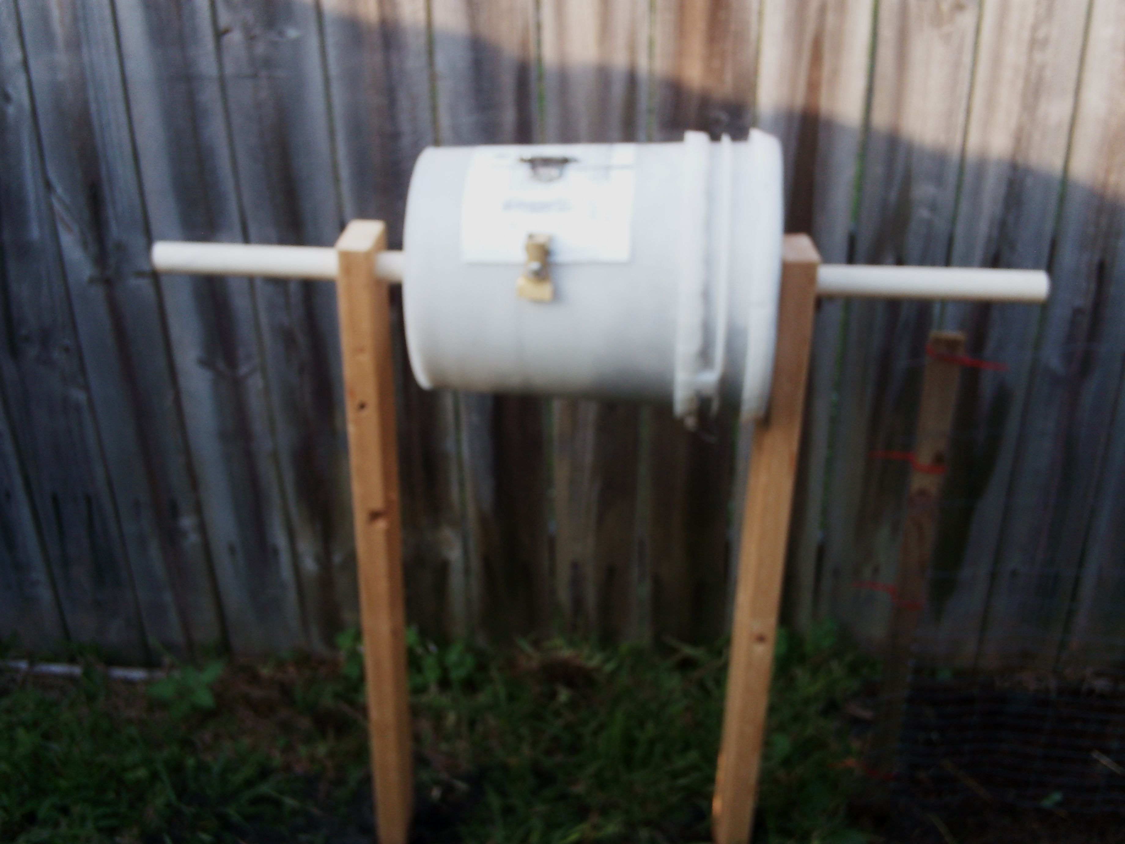 5 Gal Bucket With Lid, Pvc Pipe, 2 Hinges And
