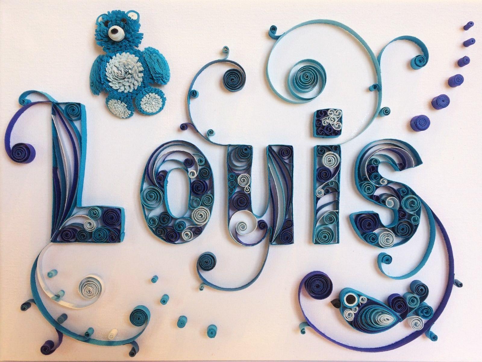 Tableau prénom quilling Louis bleu avec nounours. Réalisé par Les Loisirs Créatifs d'Eugénie avec la technique du quilling (papier roulé ou paperolles) www.creatifs-loisirs.com #loisirscréatifs