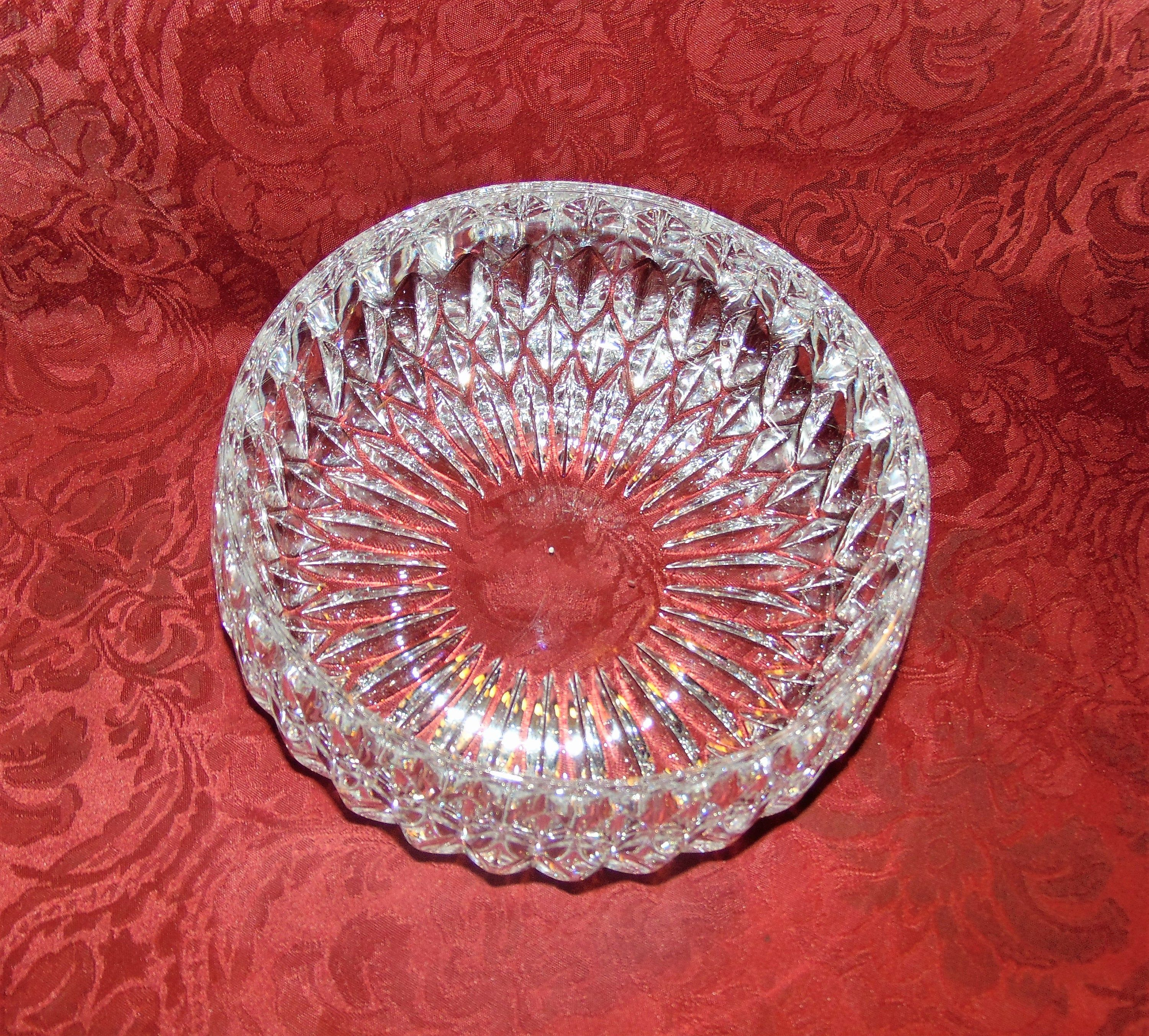 Waterford Large Crystal Serving Bowl From Ireland Unsigned Etsy In 2020 Large Crystals Crystal Bowls Bowl