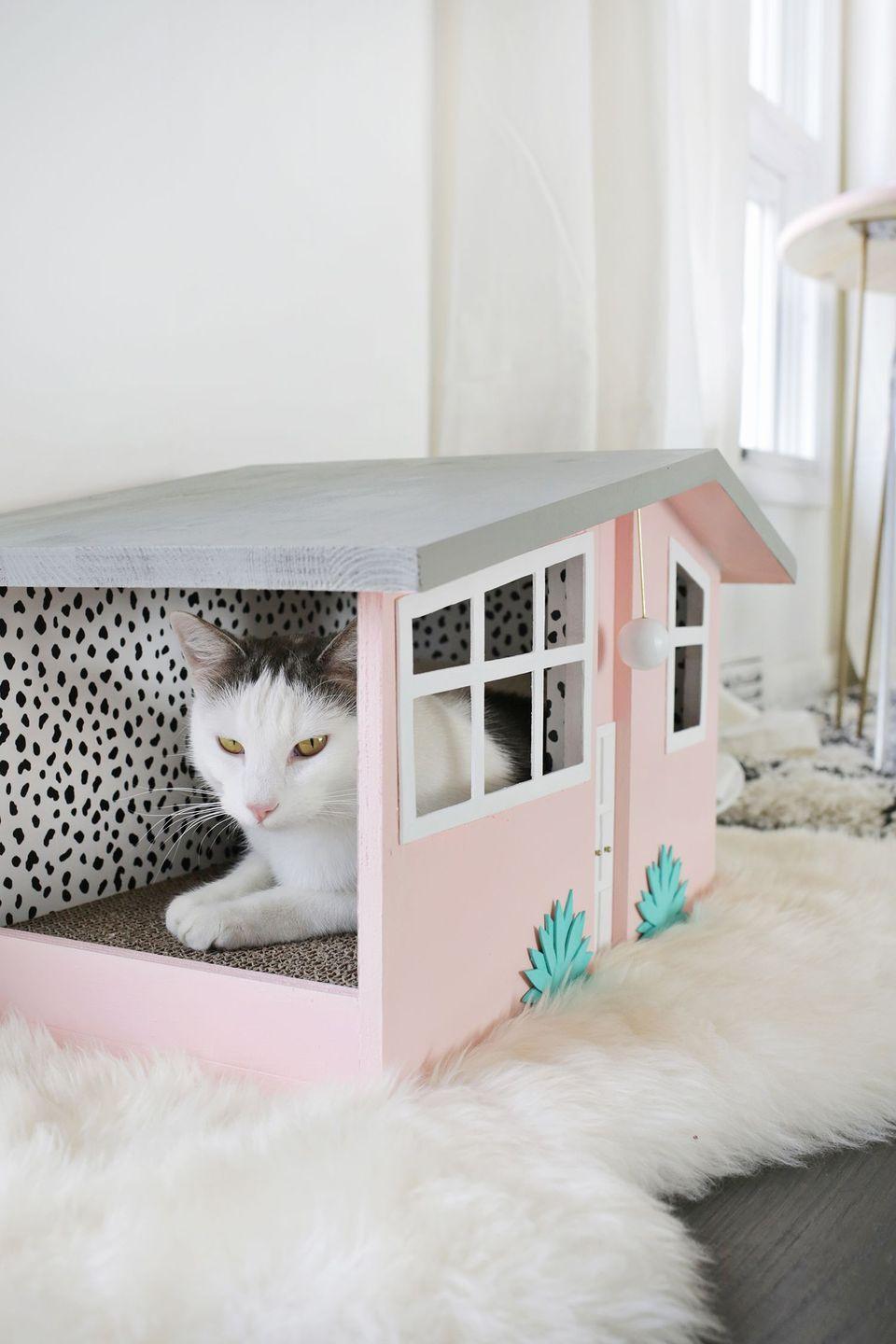 Celebrate Spring With These 24 Spring Decor Ideas You Can Diy Cat House Diy Cardboard Cat House Cat Diy