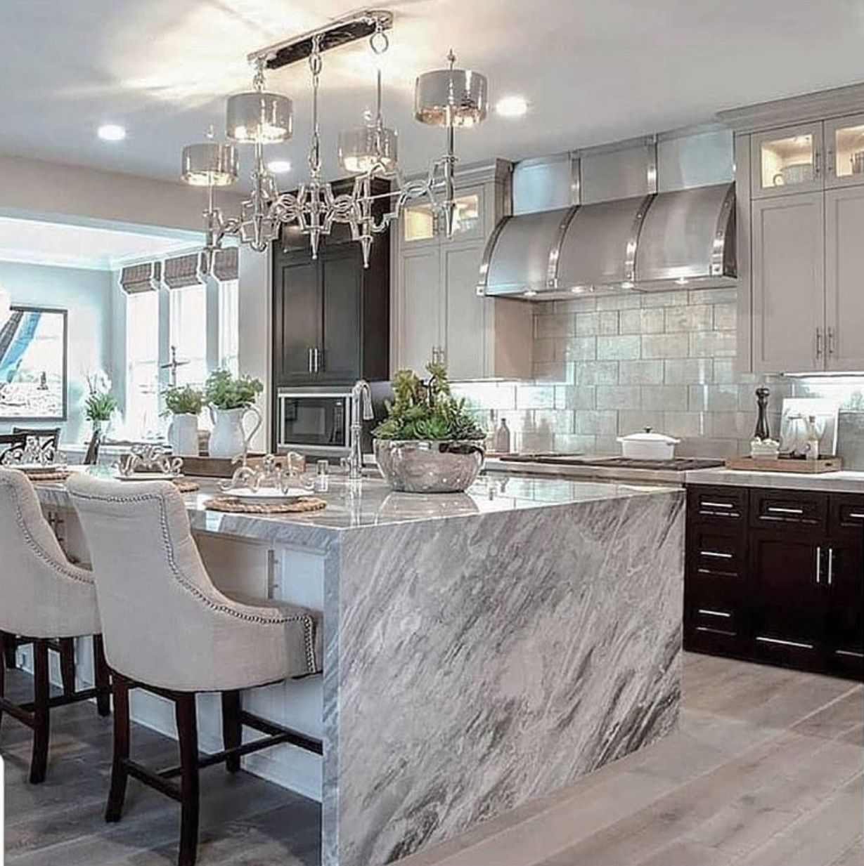 Tips For Choosing The Best Bar Stools Your Kitchen Chaylor Mads Dream Kitchens Design Luxury Modern Island