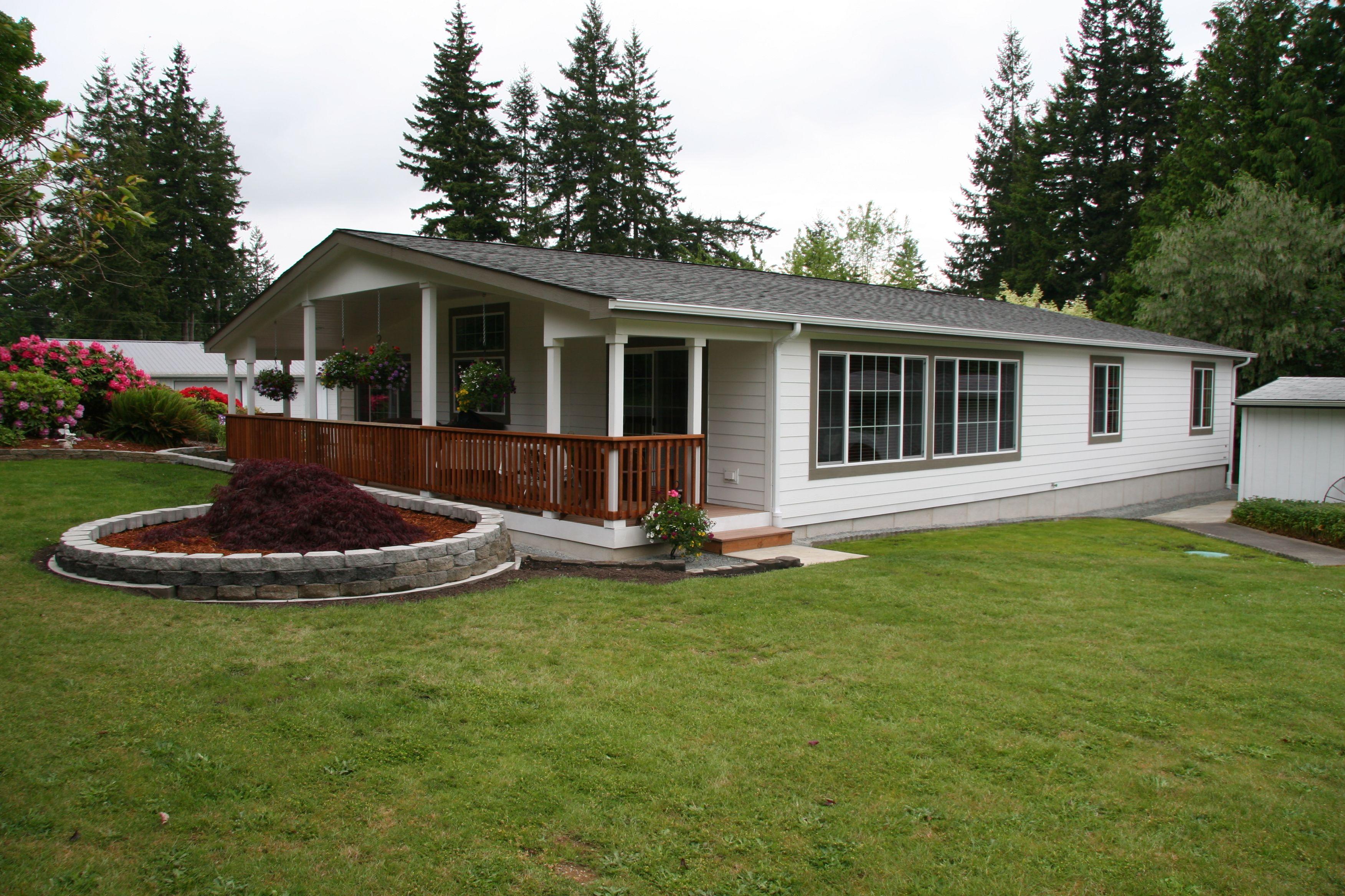 Mobile home with Duraskirt concrete skirting. Duraskirt can ... on cape cod beams, log home beams, house beams,