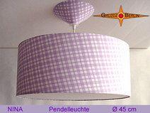 Leuchte NINA Ø 45 cm Pendellampe mit Dffusor Karo ist eine fröhliche Lampe in kariertem Design.