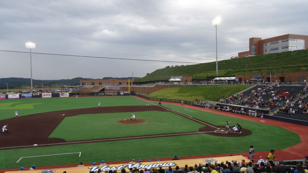 Monongalia County Ballpark West Virginia Black Bears Wvu Mountaineers Ballparks West Virginia Wvu Mountaineers
