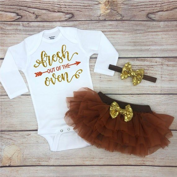 Fresh Out of the Oven Baby Girl Thanksgiving Outfit, Thanksgiving Baby Girl Clothes, Thanksgiving Baby Girl Bodysuit, Turkey Day Baby Outfit #thanksgivingoutfit
