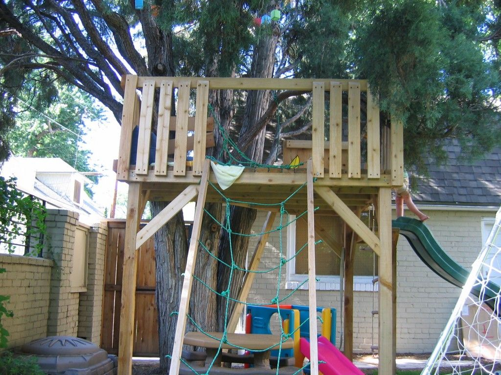 treehouse with zipline cedar tree house under a cedar tree for 3