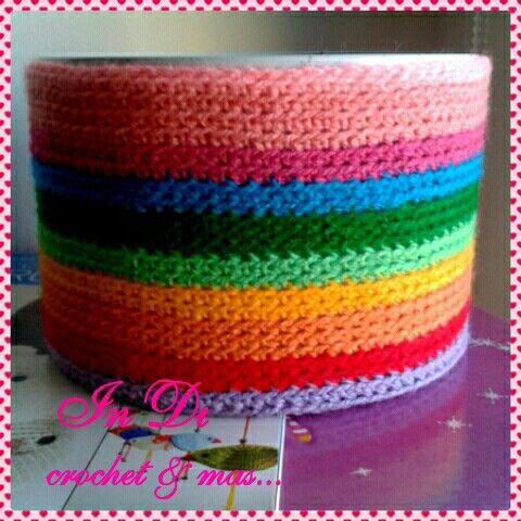 Lata forrada al crochet....para guardar lo que quieras o de adorno ...lindas y coloridas ♥