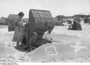 Ferienfreuden am Ostseestrand, Ahlbeck 1952