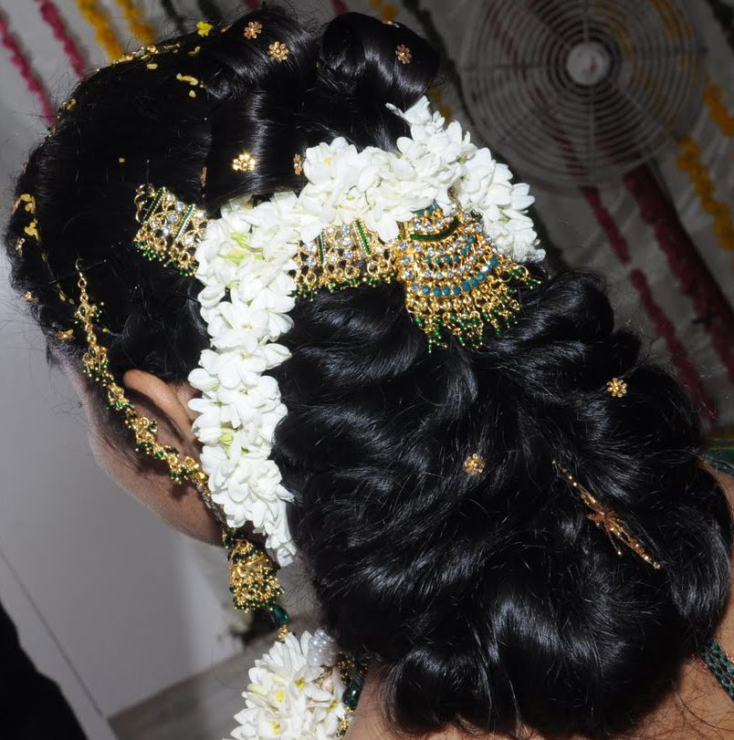 Hairstyle Girl Jora: Simple Flower Decorated Indian Wedding Flower Decorated